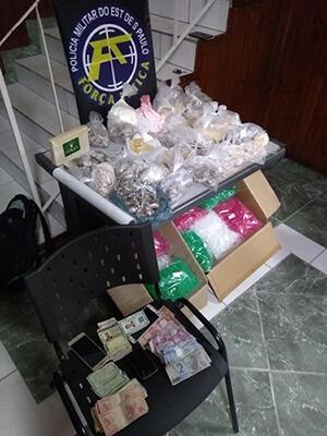 PM prende seis criminos e localiza uma grande refinaria de drogas em Franco da Rocha