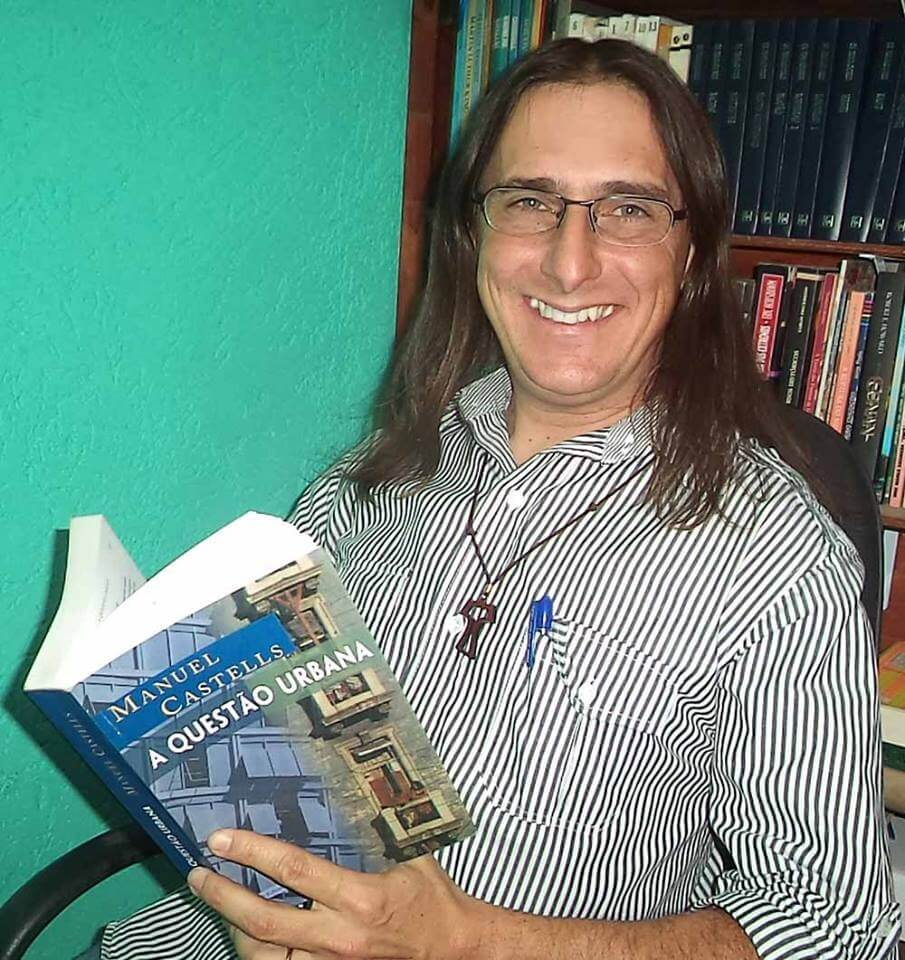 Marcelo V. Bruggemann