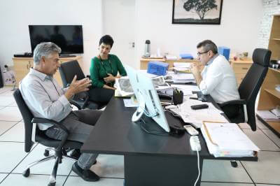 Prefeito Gersinho consegue mais meio milhão para Caieiras com o Governador Márcio França e deputado Celino