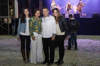 8ª Festa dos Estados reuniu milhares de famílias caieirenses
