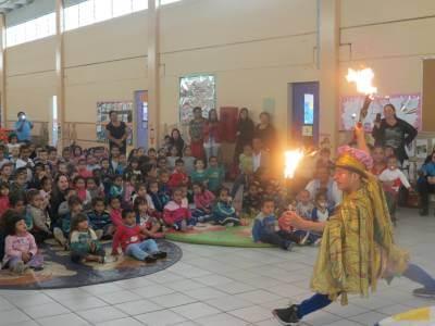 """Espetáculo """"Picoly e o fantasma brincalhão"""" foi apresentado na Ememi Alfeu de Marco"""