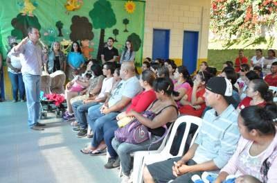 Pais participam de encontro sobre o Projeto Escola da Inteligência