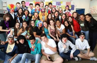 Alunos da Escola Estadual Otto Weiszflog estão realizando o projeto Alegria