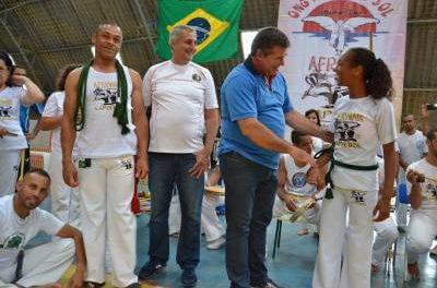 Novas cordas mostram graduação de alunos de Capoeira da Prefeitura  de Francisco Morato