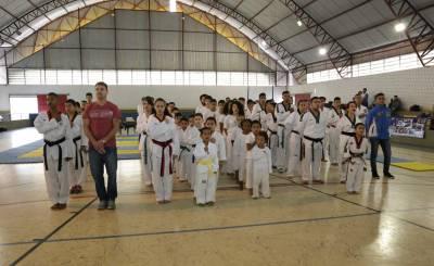 Atletas da melhor idade caieirense participaram dos Jogos Regionais do Idoso