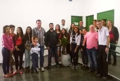 """Alunos do projeto """"Aprendendo com quem sabe"""", da Semudec de Caieiras, participam de palestras sobre carreira e saúde"""
