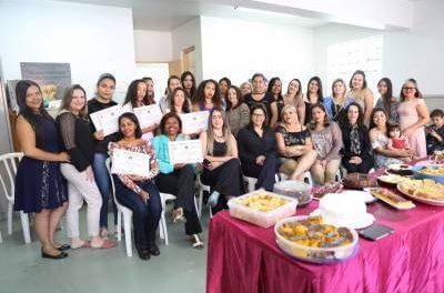 Fundo Social de Caieiras forma mais uma turma do curso de manicure