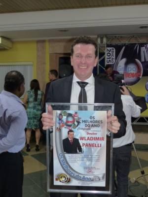 """Dr. Panelli recebe prêmio """"Os melhores do ano"""""""