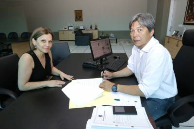 Pioneirismo: prefeito Roberto Hamamoto sanciona a Lei da Creche Conveniada