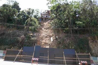 Invasão em área pública em Caieiras causa danos ambientais e prejuízos à cidade
