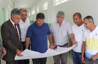 Marcelo Cecchettini e Deputado Celino vistoriam obras em Francisco Morato
