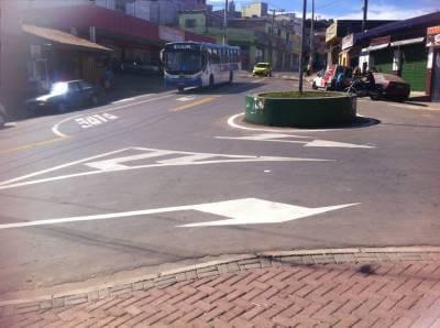 Largo Comercial do bairro Parque 120 recebe benefícios do Programa Sinaliza Mais