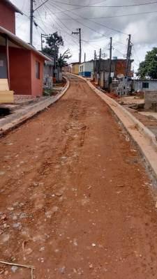 Programa Mais Asfalto prepara a Rua 02 no Jardim Astúrias para receber pavimentação