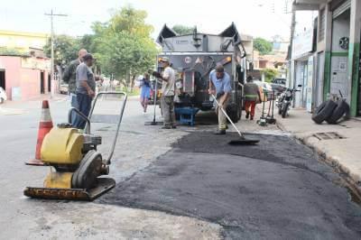 Prefeitura de Francisco Morato atuando na Operação Tapa-Buraco