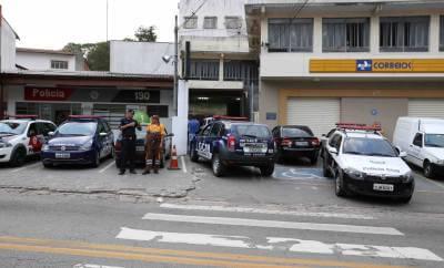 GCM de Caieiras prende suspeitos de fazer parte da quadrilha que praticava roubos em Laranjeiras
