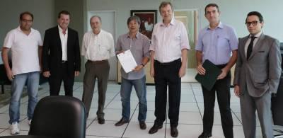Hamamoto inicia processo para construção de unidades habitacionais de interesse social