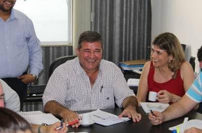 Marcelo Cecchettini faz reunião com todos os secretários municipais cobrando empenho de equipe na condução da gestão.