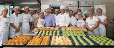 Gersinho Romero visita alunos do curso gratuito de padeiro disponibilizado pela Prefeitura
