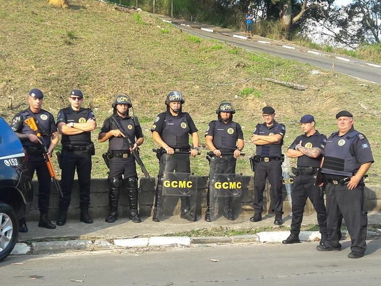 Guarda Municipal de Caieiras realiza operação para impedir invasão de terras na Vila Rosina