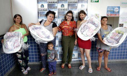 Fundo Social entregou 30 kits de enxovais
