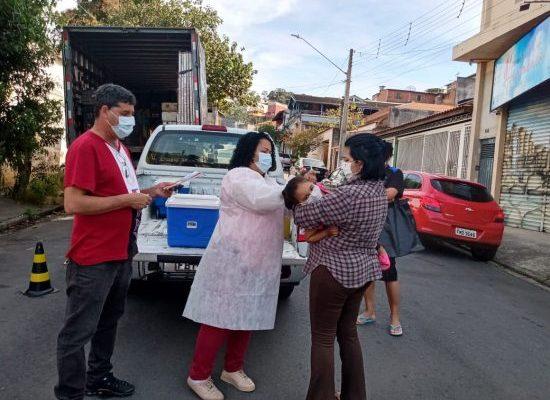 Para aumentar imunização, equipes da Saúde vão aos bairros vacinar contra a gripe