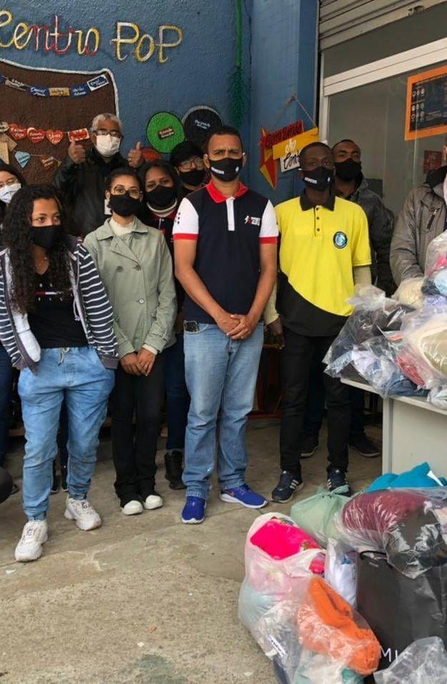 """Projeto """"Força Jovem"""" faz doações em Francisco Morato"""